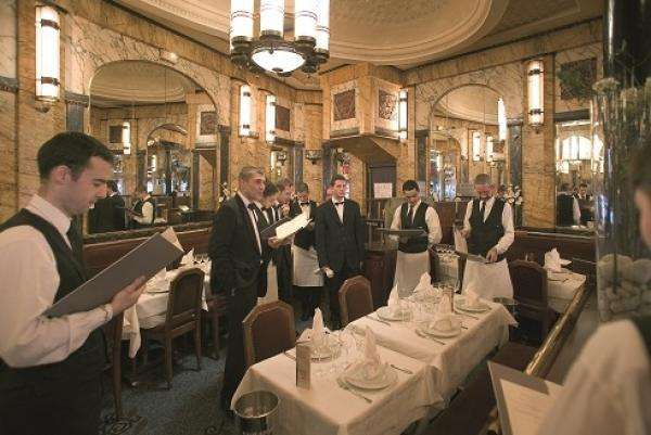 Restaurant Vaudeville, A Traditional Paris Brasserie