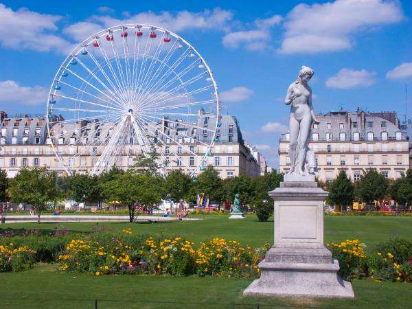 Go green at the Tuileries Garden